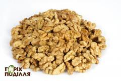 Ядро грецкого ореха - четверти