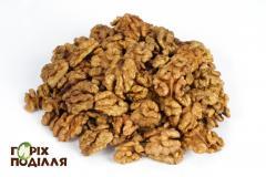 Nut kernel - halves.