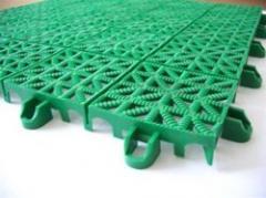 Modular plastic gryazeshchashchitny covering