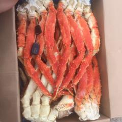 Extremities of a crab Kamchatka the largest from
