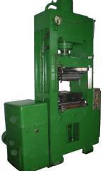 Press hydraulic universal