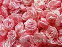 Розочка из атласа розовая