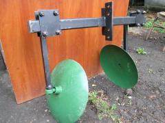 Okuchnik disk are adjustable on bearings