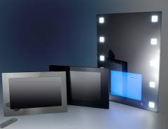 Зеркало с встроенным влагозащищенным телевизором и