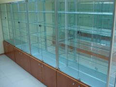 Show-windows and counters glass of the aluminum