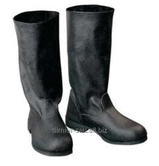 Manufacture of tarpaulin boots