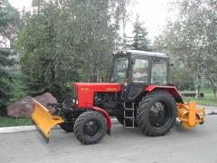 Equipment set (brush and dump) to tractor. Means