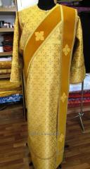 The vestments are ipodyakonsky.