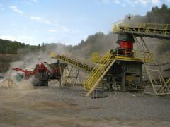 Crushing and sorting plants