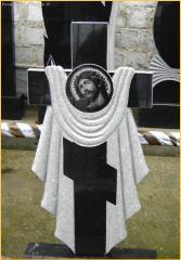 Памятники, гранитные памятники и кресты