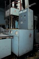 To installations of hot pressing of UGP 50 it is