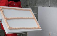 Glue foam for polyfoam