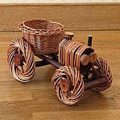 Подцветочник Трактор из лозы для цветов, код: