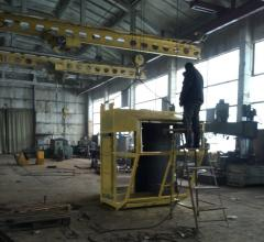 Mobile cabins for gantry cranes