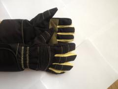 Saw-resistant gloves. Protect your hands from the
