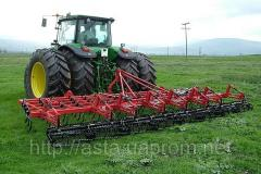 Cultivators for preseeding processing of the soil