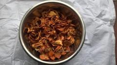 Сушенное яблоко (сушка) ( Malus domestica)