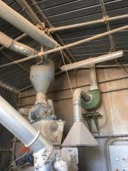 Pellet press for wood pellets