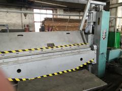 Machine radial-drilling 2L53