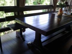 Tavoli di legno naturale