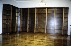 Витрины книжные со стеклом деревянные