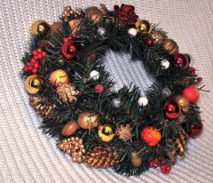 Венок еловый рождественский красный, ...