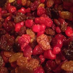 Микс изюма, вяленой вишни и кизила 100 г