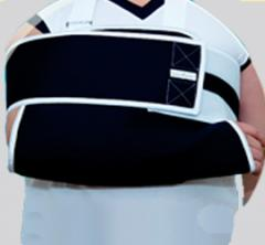 Bandage on an elbow with fixing of a clavicle