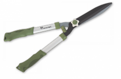 Scissors for a green hedge
