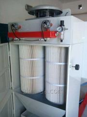 Sanding cleaning chamber