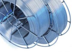 Metalltråd av pulveriserte materialer