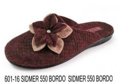 Women's felt slippers for the house of