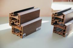 Las muestras Bryugman base de color marrón