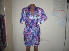 Satin dressing gown and night on shoulder-straps