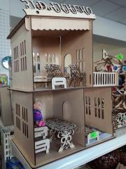 Drewniane domek dla dzieci