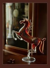 Оригинальный подарок  - стеклянная лошадь