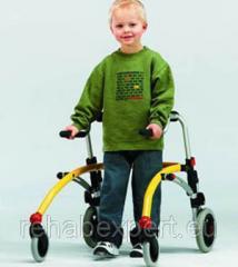 Задне-Опорные ходунки для активных детей R82 Crocodile Gait Trainer Size 1