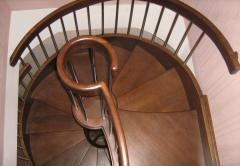 Лестницы деревянные, изготовление на заказ