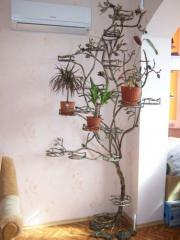 Подставка под цветы кованая
