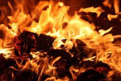 خاک زغال قالبی سوخت