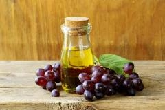 Oil of grape seed, grapes