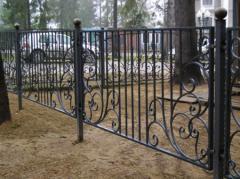 Металлический забор для дачи, кованный забор