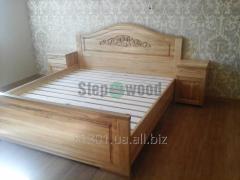Кровать двуспальная резная из ясеня, два выдвижных ящика для белья , две прикроватные тумбочки.