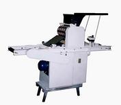 Ротационная машина для формовки сахарного...