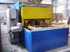 Installation EG for knockout of casting molds