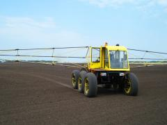 Self-propelled sprayer on tires of ultralow
