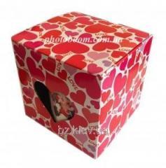 Картонная упаковка для кружек с сердечками