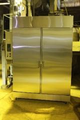 Vacuum drying cabinets