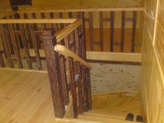 Деревянная лестница, Ровно