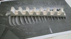 Kordiyerit-mullitovye combs/supports for roasting
